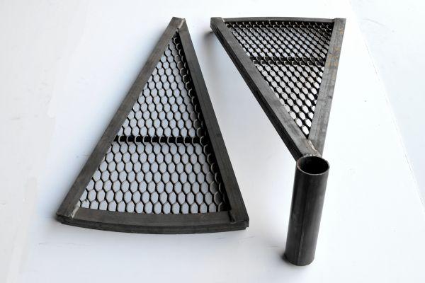 trigono-apo-gradelada-me-rixti-25BE9449A-A20C-C1E1-9A0E-3AA5D236657A.jpg